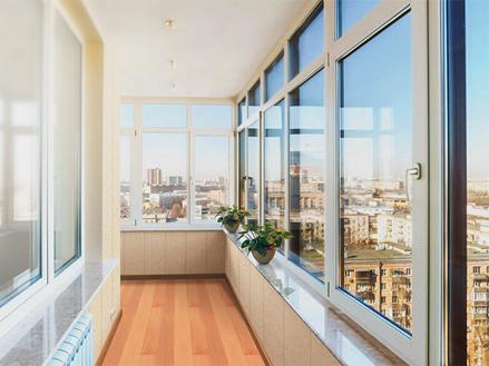 Ремонт алюминиевых окон на балконе